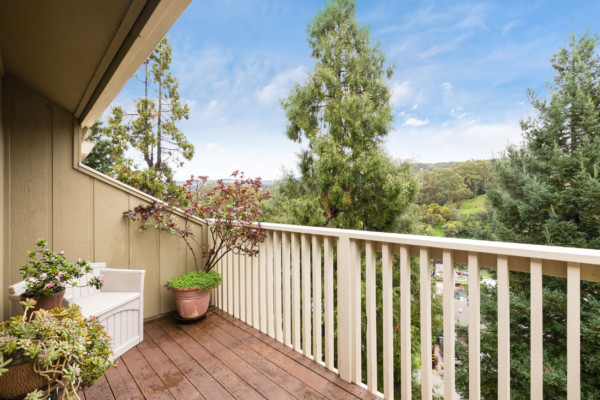 thumbnail for Can you really buy a 2 bedroom condo in Oakland for under $550,000?  Yes!